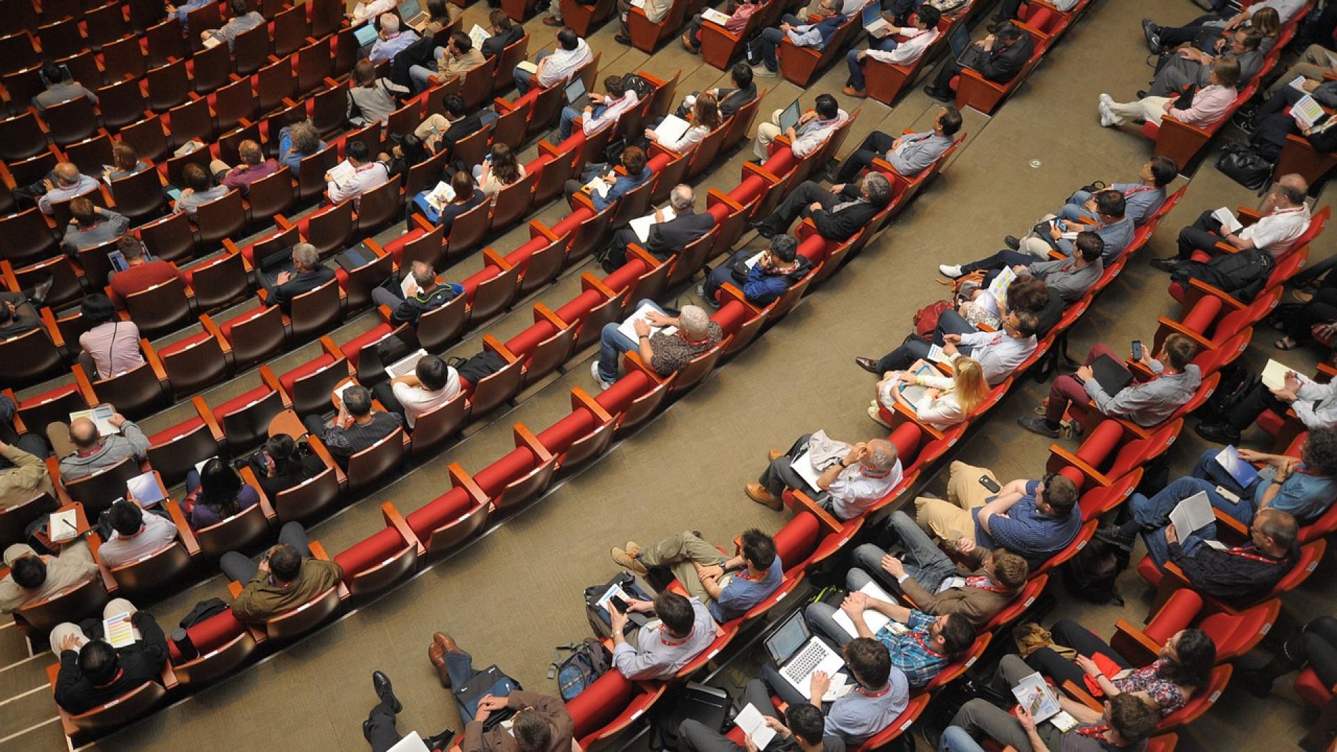 Comment bien choisir sa salle de conférence